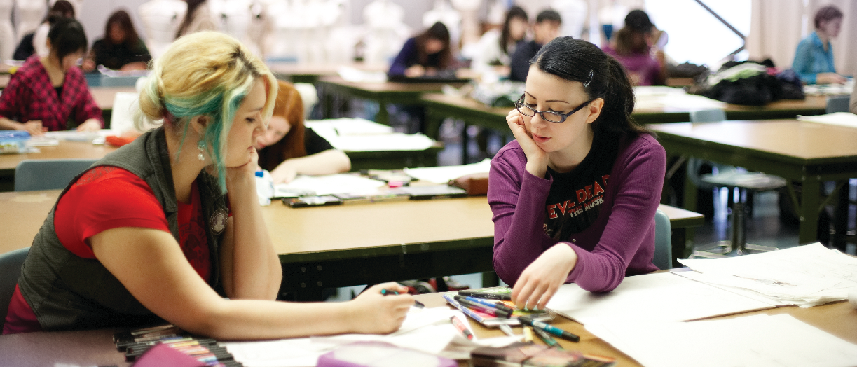 students working in fashion illustration lab