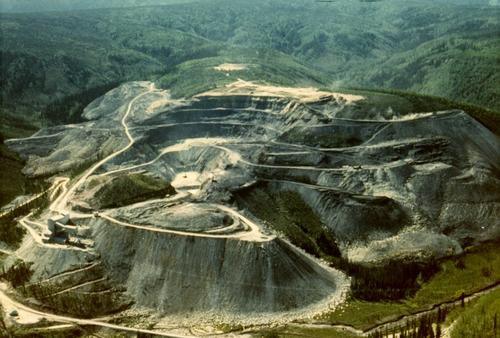 Areal view of an asbestos mine.