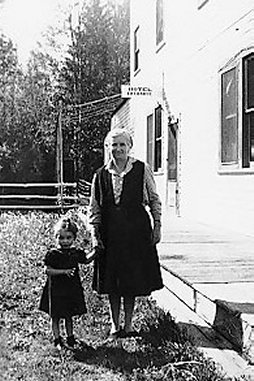 Mrs.Carpenter & Daughter Margaret