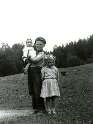 Sharon, Tom and Margaret Payne, c. 1951