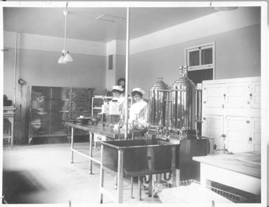 diabetic kitchen ca. 1923