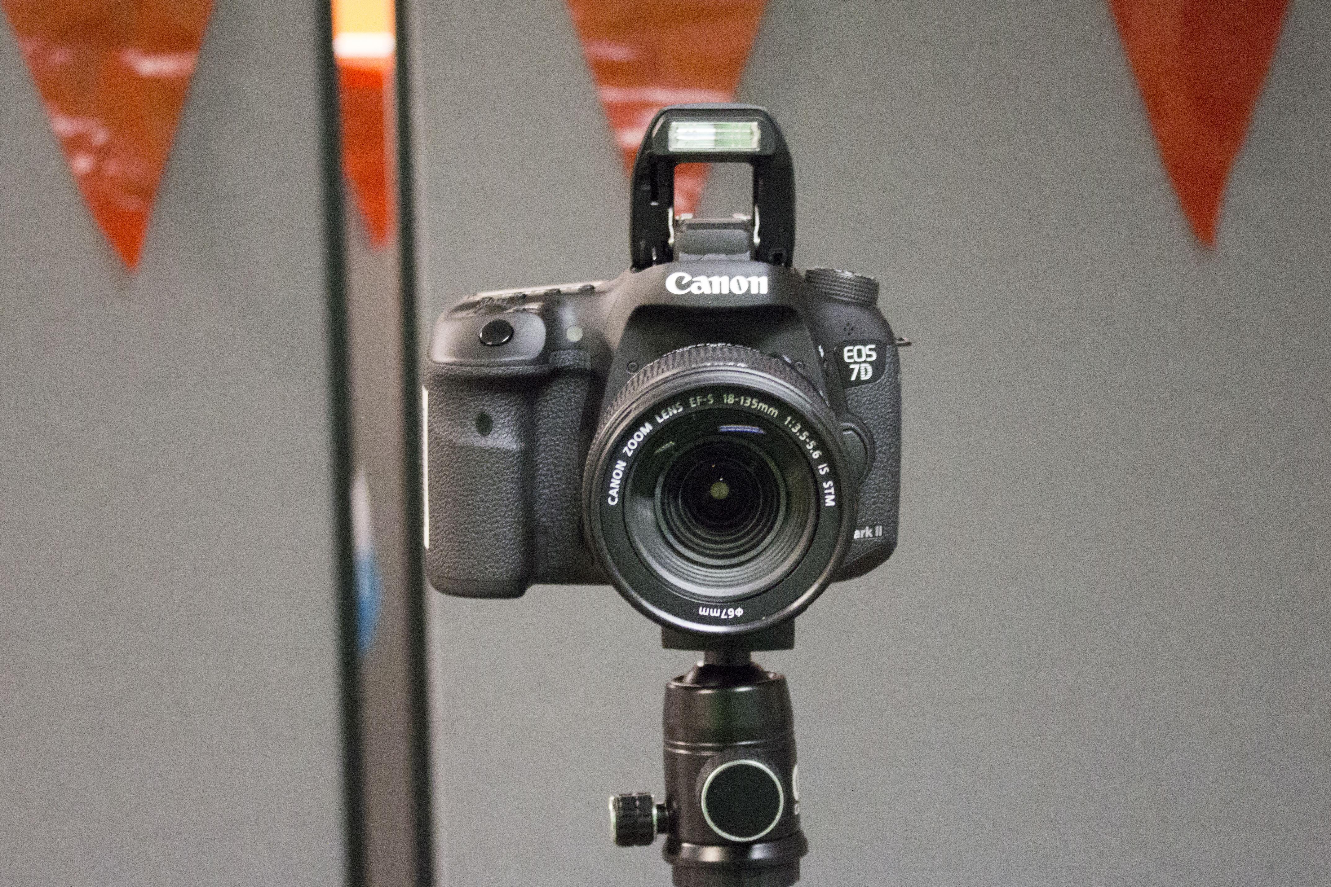 Canon EOS 7D SLR camera