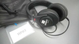 Professional closed-back headphones