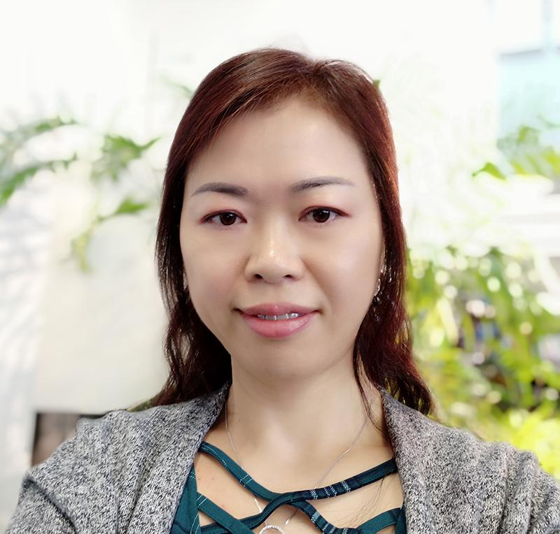 Lingling Jiang Headshot